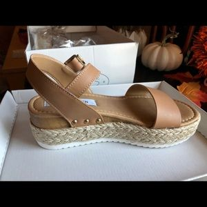0925dd4e0 Steve Madden Shoes - Tan Steve Madden Sandals Chiara Nude Leather